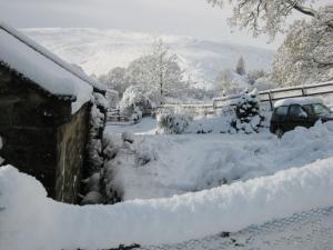 It really was this snowy at castleton  in 2011!!
