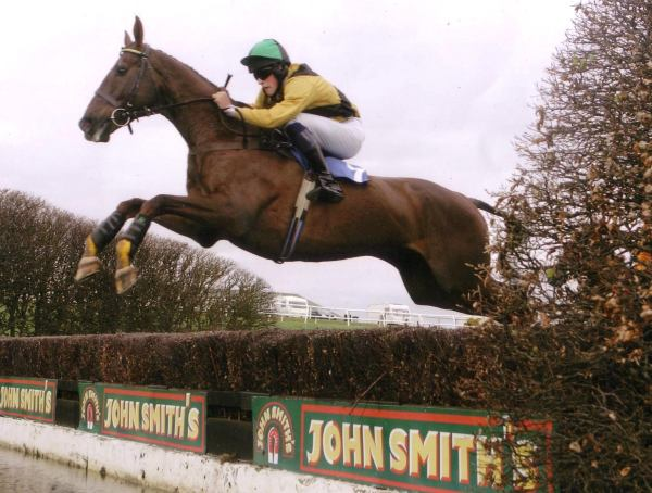 Pat and Thomas Ellwood's 'Thorsgill' winning at hexham with Richard Tiernay