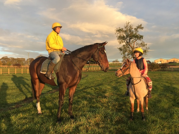 Phil with Stenna (Transient Bay) and Izzy with her 'freddie' this morning - a beautiful sunrise
